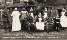 Postcard from World War I with the writing The first wounded in the military hospital II Pössneck 1914, the names of the patients and medical professionals. Photo: Collection Sauer