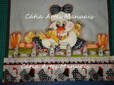 Catia Artes Manuais: GALINHA PINTADA COM PATCH