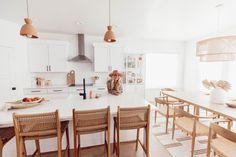 Living Room Designs, Living Room Decor, Living Rooms, Townhouse Interior, Dining Room Inspiration, Home Kitchens, Kitchen Remodel, Home Furniture, Kitchen Design