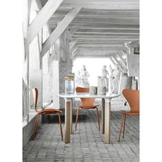 Analog table- this is the look! Fritz Hansen, Arne Jacobsen, Table Furniture, Monochrome, Dining Tables, Dining Room, Chair, House, Magazine Covers