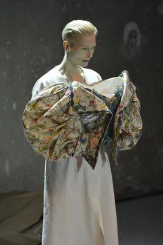 Les vêtements vénérés d'Olivier Saillard