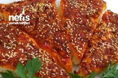 Biberli Ekmek (Soğanlı Ekmek) Tarifi Meatloaf, Pizza, Chicken, Recipes, Brot, German, Ripped Recipes, Cooking Recipes