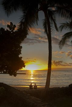 Waikiki sunset, Oahu, Hawaii. This is defenitly where i wwant to be