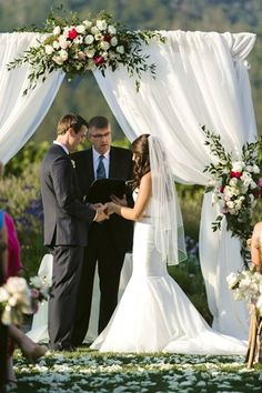 bertolibridal.com St francis wedding #bertolibridalfloral #stfranciswinery