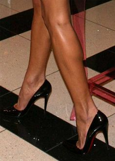 Shapely legs and black pumps. Smoking hot.  #legs #heels