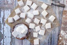 Pink Marshmallows, Recipes With Marshmallows, Homemade Marshmallows, Marshmallow Recipes, Marshmellow Treats, Marshmallow Slice, Fudge Recipes, Candy Recipes, Sweet Recipes