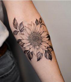 Flower tattoo designs neck 62 ideas for 2019 Sunflower Tattoo Sleeve, Sunflower Tattoos, Sunflower Tattoo Design, Flower Tattoo Designs, Sunflower Tattoo Shoulder, Delicate Feminine Tattoos, Subtle Tattoos, Black Tattoos, Small Tattoos