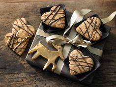Schokoladenherzen - aus Knusperteig - smarter - Kalorien: 119 Kcal - Zeit: 50 Min. | eatsmarter.de Da geht uns das Herz auf!