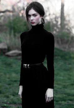 long sleeved dress // black // fall fashion