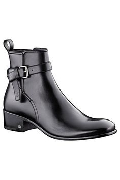 Louis Vuitton - Men's Accessories Smooth for My Man! Mens Shoes Boots, Men's Shoes, Shoe Boots, Shoes Sneakers, Dress Shoes, Men Dress, Men's Accessories, Fashion Shoes, Mens Fashion