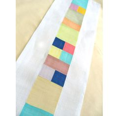 Another design with a strip of colorful patches bordered by solids. (DIY) 마마후의 모시 조각보로 만드는 러너 - 마마후, 42,000원  #shadeproject