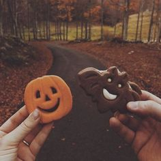 Halloween (and fall) all year round! Halloween Season, Fall Halloween, Happy Halloween, Halloween Party, Halloween Inspo, Halloween Night, Halloween Halloween, Halloween Treats, Halloween Decorations