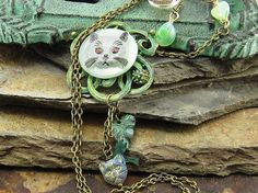Cat Lovers Pendant Necklace - Light gray Cat Czech Button Cat Pendant, Green Pendant Necklace, Vintage Beads, Drop Charms, button Necklace
