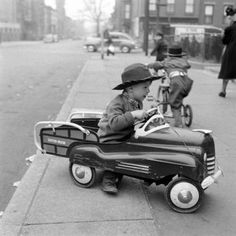 Photograph by Ralph Morse. Brooklyn, New York, April 1949.