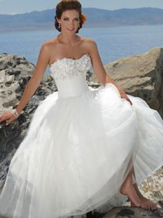 Strapless Sweetheart Ball Gown Floor length Pleating Satin    Wedding Dress