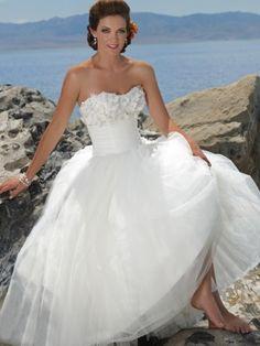 Strapless Sweetheart Ball Gown Floor length Pleating Satin    Wedding Dress