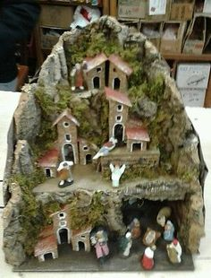 1 million+ Stunning Free Images to Use Anywhere Christmas Nativity Scene, Christmas Villages, Miniature Trees, Miniature Houses, Christmas Crib Ideas, Christmas Decorations, Free To Use Images, Christmas Settings, Diy And Crafts