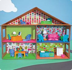 House & Carton: DIY cardboard dollhouse and furniture from an egg carton Cardboard Dollhouse, Cardboard Crafts, Diy Dollhouse, Shoebox Crafts, Kids Crafts, Doll Crafts, Doll Furniture, Dollhouse Furniture, Building Furniture