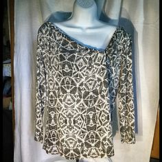 Nordic Traders Geometric Top  92% rayon and 8% spandex. Soft, stretchy, and comfortable. In excellent condition. Nordic Traders Tops