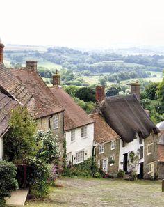 Cottages on Gold Hill in Shaftesbury, Dorset, England   Photo: Jane Gobel
