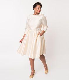 Unique Vintage Plus Size Style Cream Satin Sleeved Lana Bridal Dress 1950s Style Wedding Dresses, Grad Dresses Short, Vintage Style Dresses, Unique Dresses, Bridal Dresses, Bridesmaid Dresses, Vintage Wedding Theme, 50s Wedding, Wedding Gowns