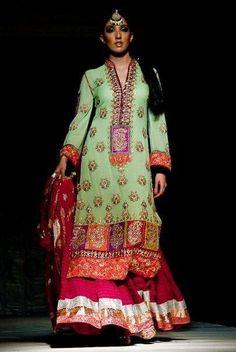 images of designer clothes | ... _95718871_8-Pictures-of--Designer-Dresses-1274896005%5B1%5D.jpg
