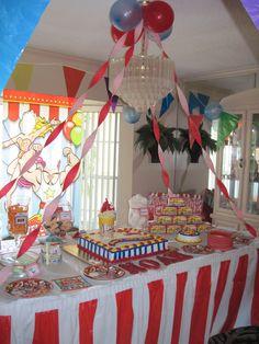 Circus party decoration. Noah's Carnival.