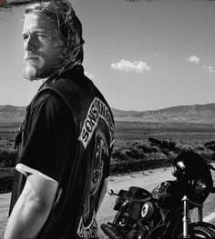 """Sons of Anarchy Charlie Hunnam as """"Jackson 'Jax' Teller"""" Jackson Teller, Sons Of Anarchy Motorcycles, Jax Teller, Charlie Hunnam, Best Shows Ever, Best Tv, Actors & Actresses, Sexy Men, Movie Tv"""