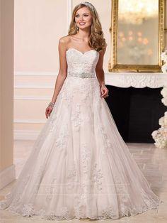 Sweetheart A-line Princess Lace Wedding Dress