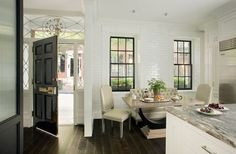 Unstoppably chic kitchen nestled inside an historic brick townhouse in Boston& storied Beacon Hill (my former & by Nina Farmer Interiors. Kitchen Furniture, Kitchen Interior, Living Room Furniture, Interior Decorating, Interior Design, Black Decor, Interior Architecture, Living Spaces, City Living
