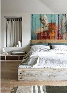 White bedroom... Pallet art :)