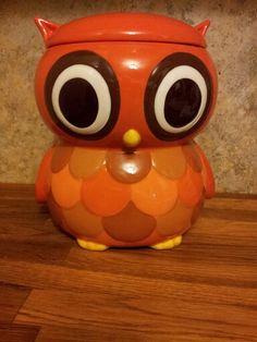 My new cute owl cookie jar. Teapot Cookies, Cute Owl, Cookie Jars, Easy Crafts, Orange Color, Vintage Antiques, Tea Pots, Ceramics, Canisters