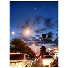 #渋滞 (-_-) #traffic #crescent#moon and #sunset#sky#clouds#philippines #三日月 と#夕日#夕焼け#空#雲#フィリピン