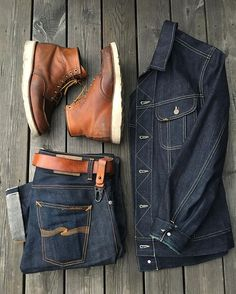 - with a rugged double denim outfit idea with brown moc toe boots from Redwing Heritage selvedge denim jeans with a denim jacket Look Fashion, Urban Fashion, Fashion Boots, Mens Fashion, Mode Masculine, Komplette Outfits, Fashion Outfits, Rockabilly Mode, Nudie Jeans