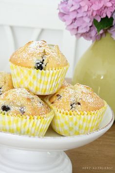 Lemon Blueberry Muffins With Stresuel Topping. I can't find the link to this photo, but this recipe link looks good too... http://www.gimmesomeoven.com/lemon-blueberry-muffins/