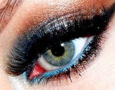 blue eyeliner/ mascara