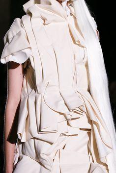 Comme des Garçons Spring 2013 Ready-to-Wear Collection Photos - Vogue