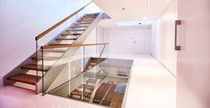 Begehbare Glasflächen - ein architektonisches Highlight im Treppenbau.