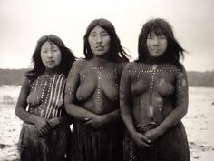 Selknam (Onas) of Tierra del fuego, Argentina (extinct tribe). Women who participated in the Hain ceremony of In the center, Angela Loij, Elik left and Imshuta right. Patagonia, Brave, Melbourne Museum, Location Scout, Photographs Of People, Poses, Anthropology, Canada, South America