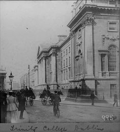 Old Pictures, Old Photos, Vintage Photos, Irish Independence, Trinity College Dublin, Gone Days, Dublin Street, Photo Engraving, Dublin Ireland