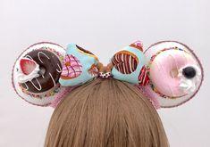 A Chocolate Lovers' Party – Desserts For Parties Unicorn Headband, Diy Headband, Ear Headbands, Tasty Chocolate Cake, Like Chocolate, Chocolate Lovers, Mickey Mouse Ears Headband, Disney Mickey Ears, Minnie Mouse