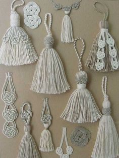 White Tassels with Decorative Trimmings ~ by Carol Blackburn .This Pin was discovered by hatA variety of tassel designs -Hand made tassels.trio tassel tie back Macrame Art, Macrame Design, Macrame Projects, Macrame Knots, Yarn Crafts, Diy And Crafts, Arts And Crafts, Leaf Crafts, Burlap Crafts