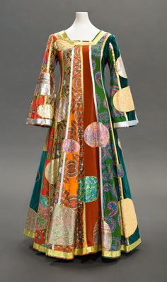 """Klimt Dress, Giorgio di Sant' Angelo: Fall 1969. """"...Some of his most memorable creations were worn by the model Veruschka, including a gold chain bikini and improvisational garments in an editorial ostensibly focusing on new fabrics for 1968..."""""""