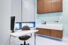 """El resultado final de """"Eye Face Surgical Institute"""" es un claro ejemplo del mimo y la meticulosidad con que el estudio de arquitectura y..."""