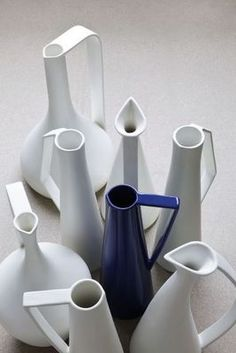 Stem Vase via decofinder.com