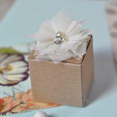 #caja para dulces #rústica en papel y tul...sencillamente lindas