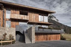 Alpine refuge with a strong connection to nature: Haus Wiesenhof