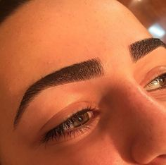 #DamoneRoberts sculpted #eyebrows by our #BeverlyHills Lead Artist Kristina!