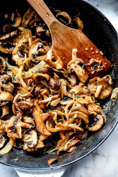 Caramelized Onion and Mushroom Crostini Carmelized Onions And Mushrooms, Mushroom And Onions, Gluten Free Puff Pastry, Creole Recipes, Appetizer Recipes, Appetizers, Mushroom Recipes, Light Recipes, Easy Cooking