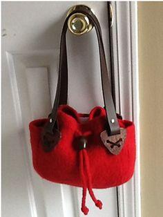 Ravelry: Joey Pouch Felted Bag pattern by Ann Culpepper